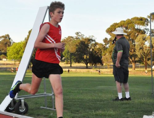 Tickell breaks record in 3000m victory
